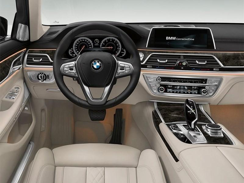 BMW 7 2016 салон
