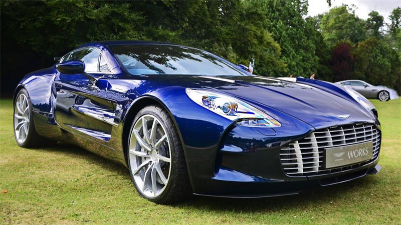 Обзор автомобиля Aston Martin One-77
