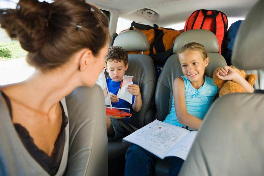 Как развлечься во время путешествия на машине?
