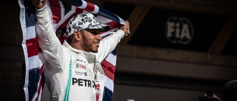 Шестой титул делает Хэмилтона вторым самым успешным гонщиком F1