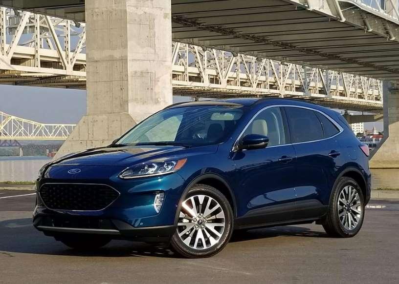Ford Escape Hybrid 2020 года дает лучшую экономию топлива, чем RAV4