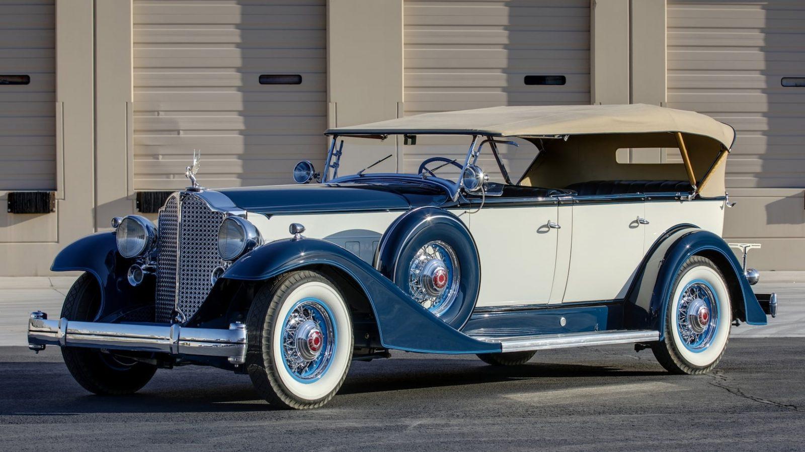 Фотографии автомобиля PACKARD 1005 TWELVE TOURING 1933 года.
