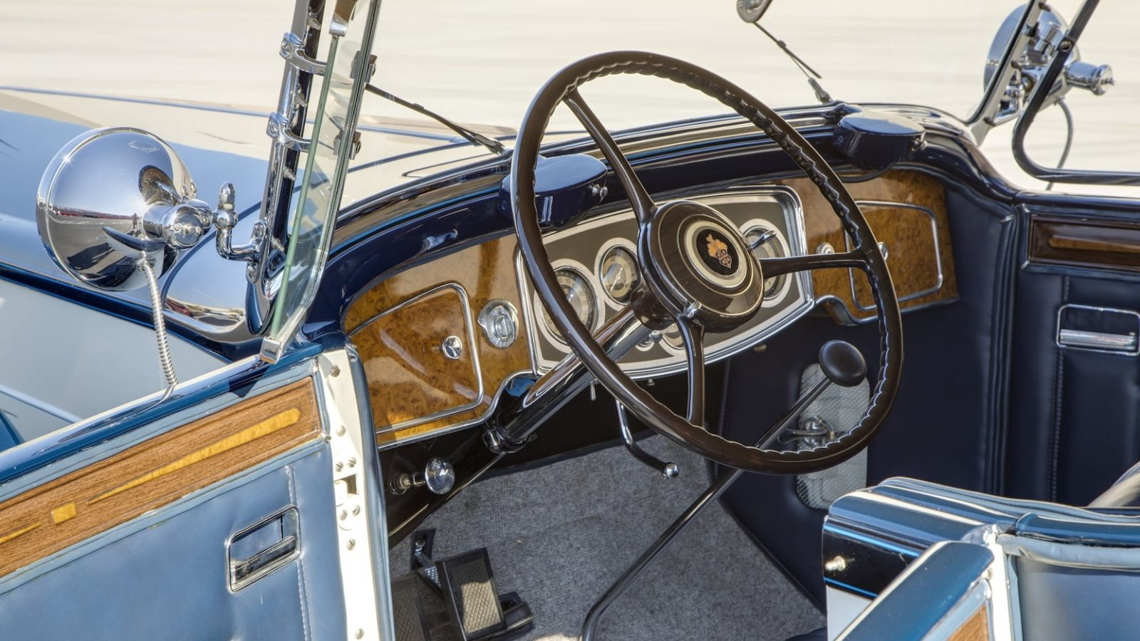 1933 PACKARD 1005 TWELVE TOURING