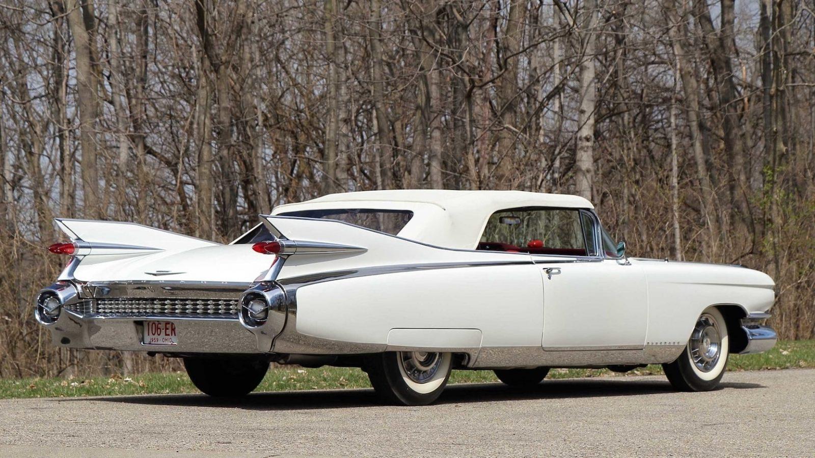 Фотографии автомобиля CADILLAC ELDORADO BIARRITZ CONVERTIBLE 1959 года.