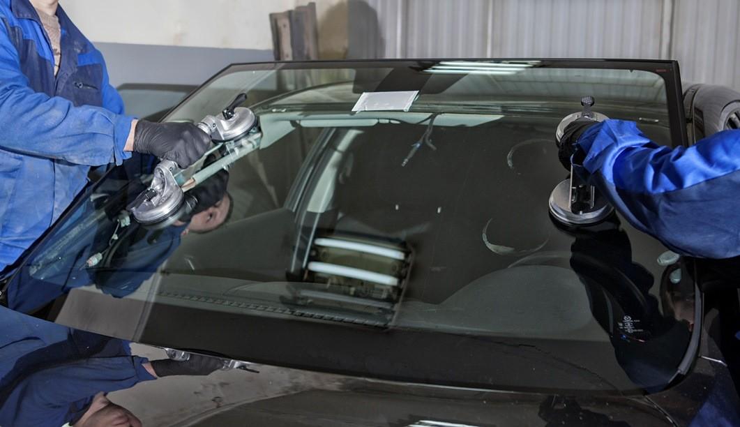 Как обеспечить качественный ремонт и замену лобового стекла?