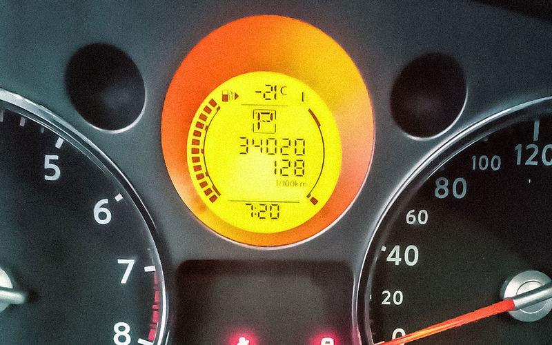 Стоит ли прогревать двигатель автомобиля зимой?