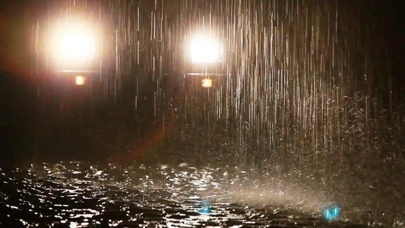 Ближний свет при вождении в дождь