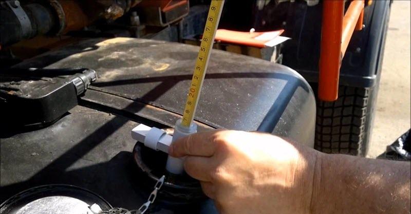 Сколько топлива должно быть в баке автомобиля?