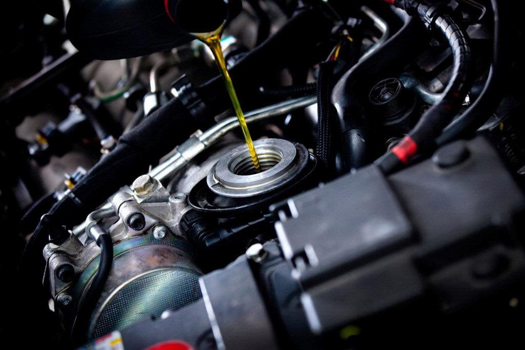Регулярная замена масла в двигателе – залог длительной эксплуатации автомобиля