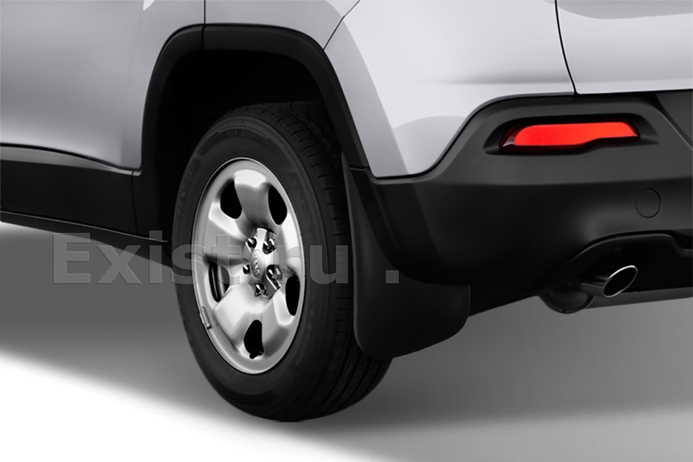 На какие автомобили необходимо устанавливать брызговики?