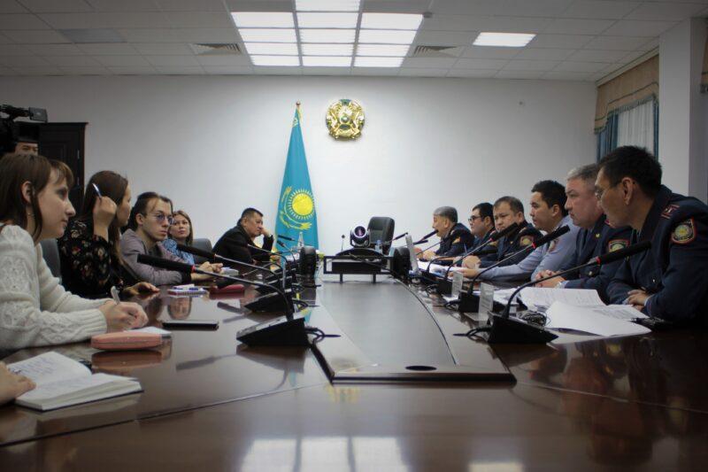 В Казахстане ужесточают правила работы всех коммерческих организаций